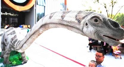 阳首届活体仿真恐龙展