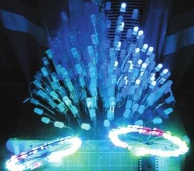 相关阅读:     手工彩灯设计与制作   彩灯设计创新与审美